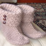 .Buttoned top boots in crochet