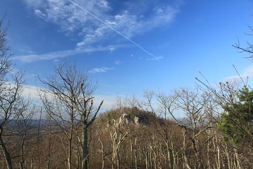 sky moon virginia spring hike westvirginia jetplume georgewashingtonnationalforest littlesluicemountain littleschloss waninggibous