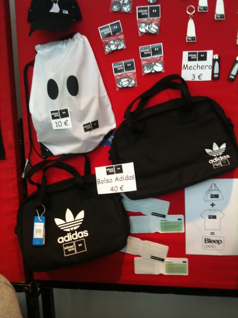 no se dio cuenta siglo parásito  thomlennon this the only adidas/sonar merch here this yea… | Flickr