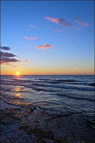 ontario sunrise lakeontario cobourg lucaspointpark