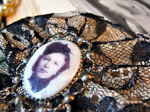 mademoiselle brooch cream and black 1.3 | by ambrayasmin