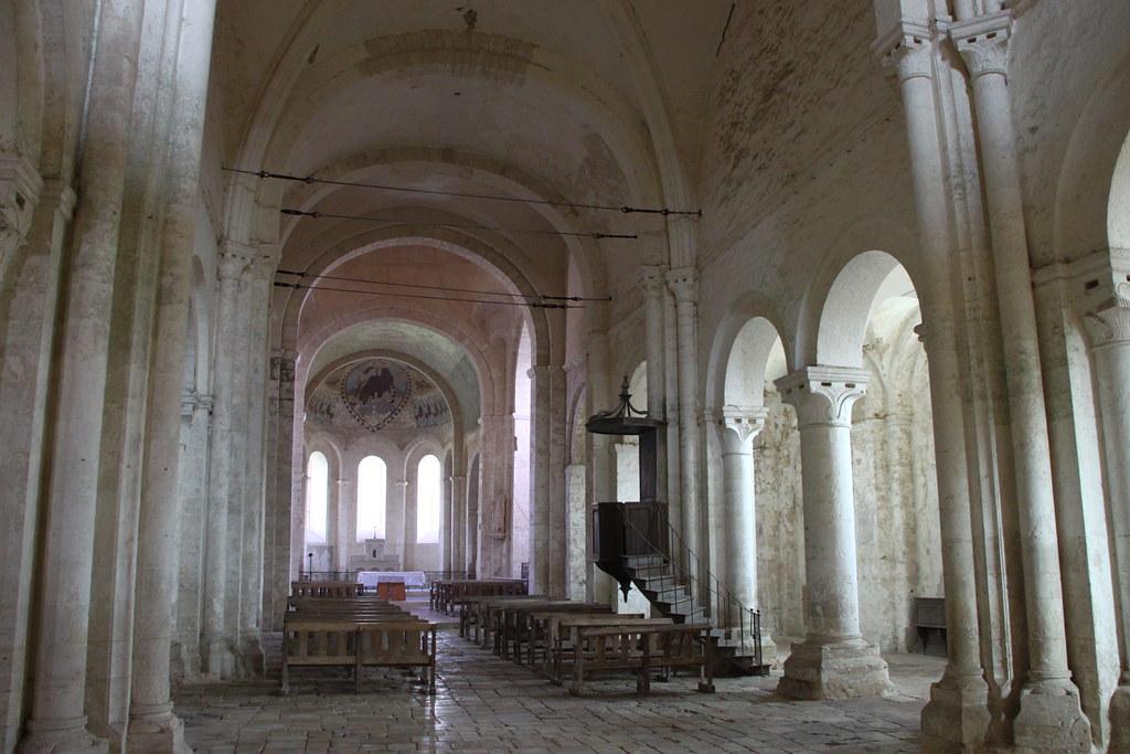 ... Eglise de Saint-Loup-de-Naud - by kristobalite