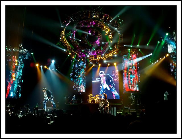 Guns N' Roses - Live at the O2