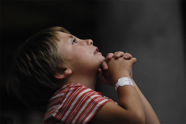 ผลการค้นหารูปภาพสำหรับ praying boy