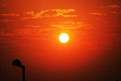 మండే సూర్యుడు ~ fiery sun   by { pranav }