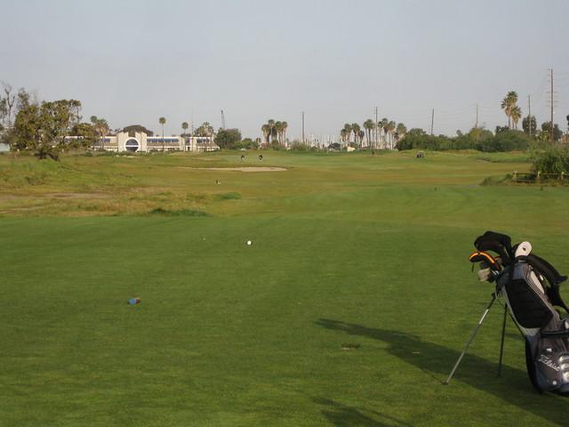 100403 Olivas Links golf 02 tee zoom IMG_3043