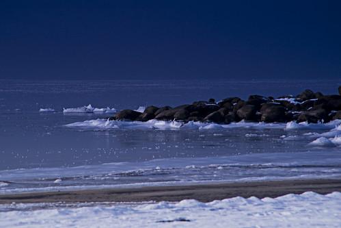 winter sea snow cold beach bench frozen nikon sweden scania skane littlepebble 13ºc magnarp lisadaniel d700 lickas lickas2007 86fahrenheit