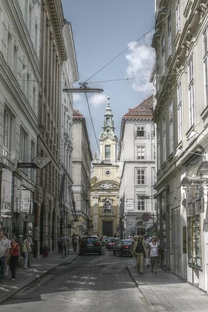 Street life vienna