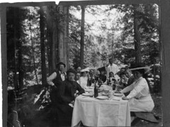 San Francisco Jewish Family in the Redwoods (California, ca. 1900)