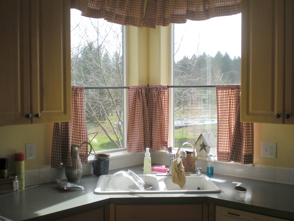 Kitchen Before   green formica, white tile backsplash ...