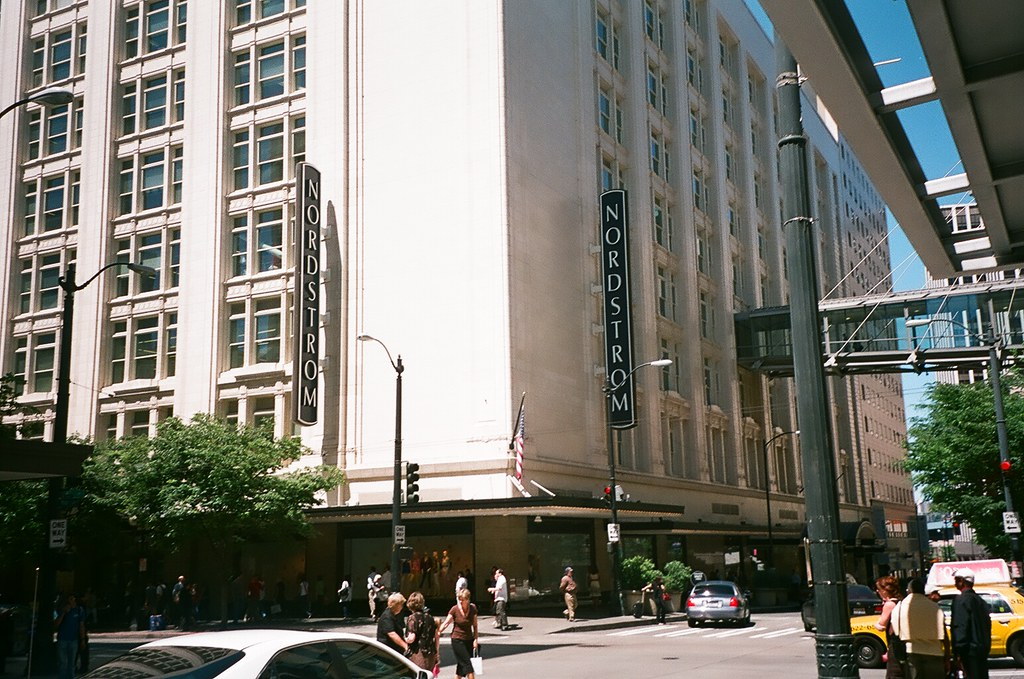 bc040817 Nordstrom Downtown Seattle Flagship store 383,000sq feet w… | Flickr