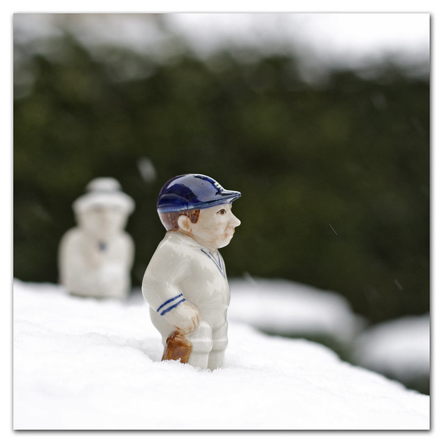 Snow stopped play! With Kevin Pietersen out cheaply and claims of ball-tampering, Englands best chance of avoiding defeat on the final day of the third cricket test V South Africa looks like being the weather