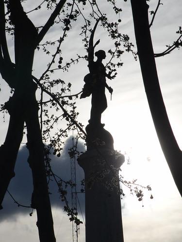 anatomía del parque de la victoria de jaén: atenea nike   by olgaberrios