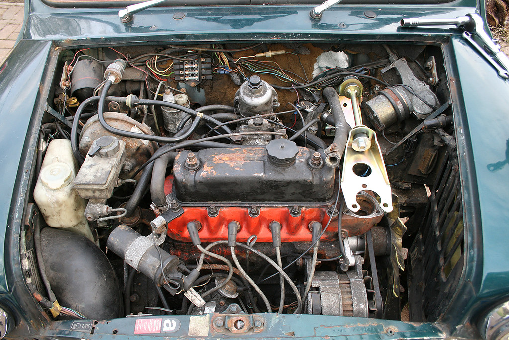 Road Cars Rover Mini Cooper Green Fitting The Engine Flickr