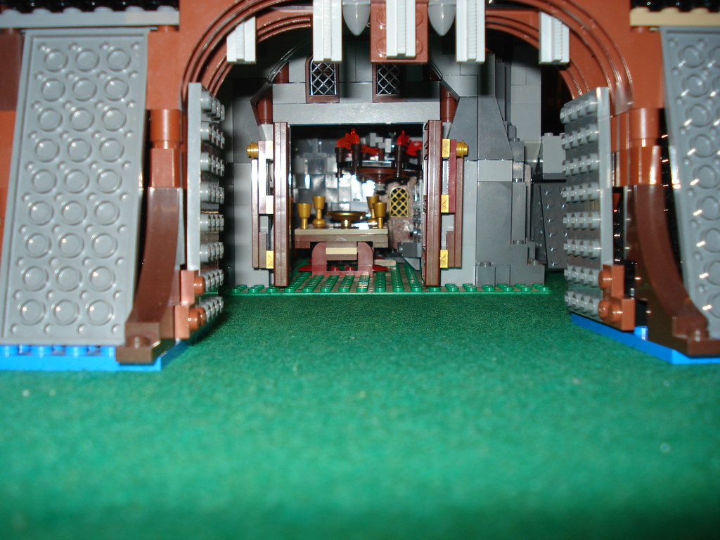 Lego Castle Gate With View Of Great Hall Weird M Ice Flickr