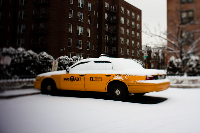 NYC:Queens: Yell-snow cab