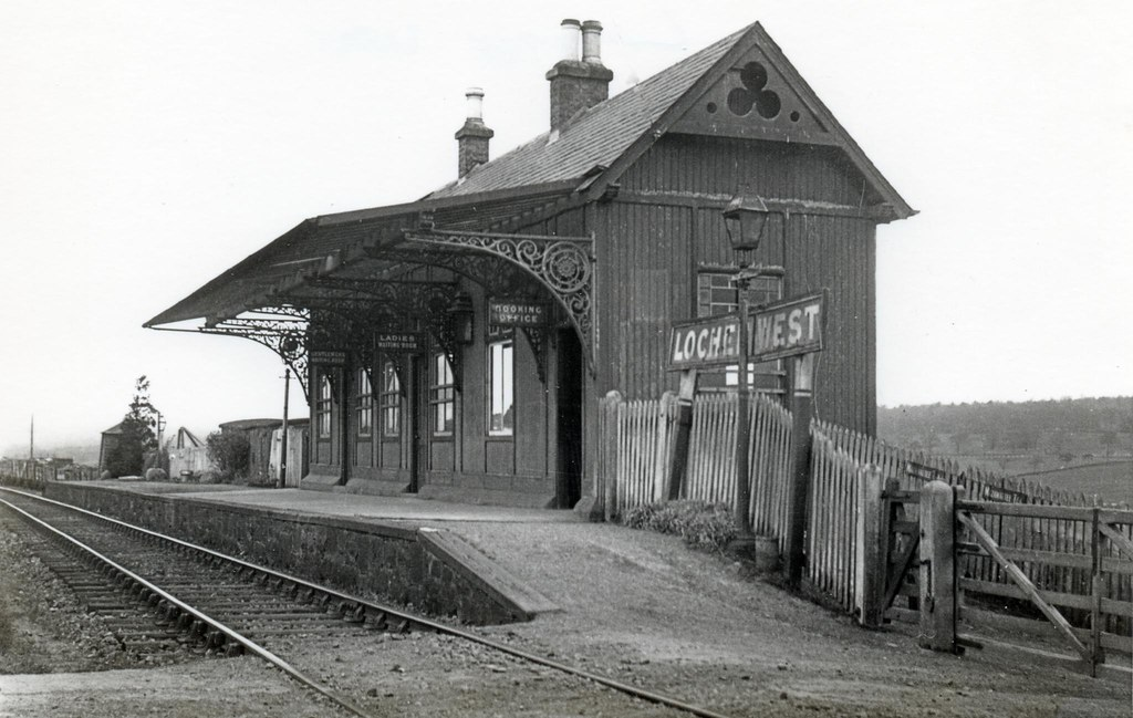 Lochee West Railway Station Dundee Baldovan Have A