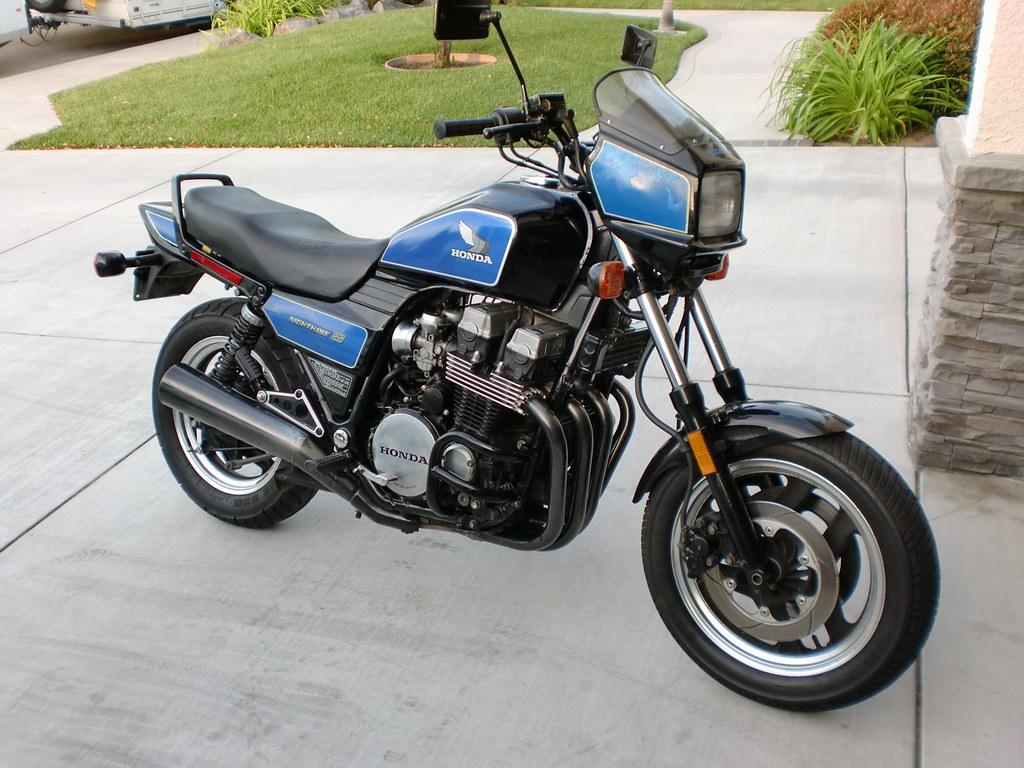 1985 Nighthawk 700s