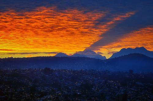 chile red luz clouds photoshop sunrise lights rojo nikon ciudad hills amanecer nubes cerros sombras viñadelmar top20spring
