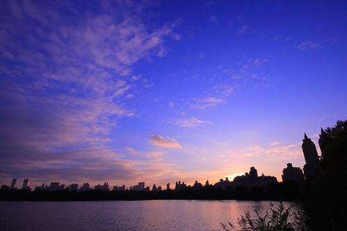 blue sunset panorama lake newyork sunshine skyline cityscape view purple centralpark reservoir