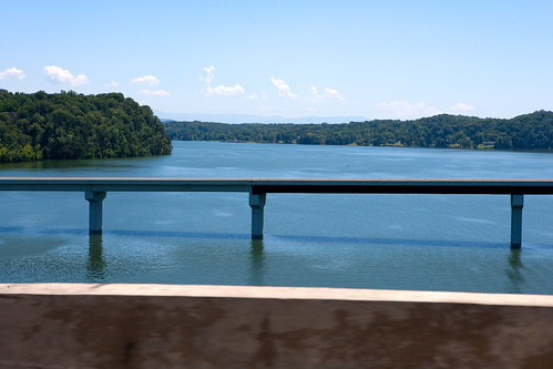 lake water tn tennessee i40 douglaslake akrt2009