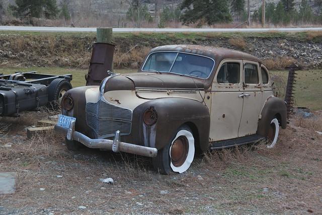False whitewalls Make a Car Look Old