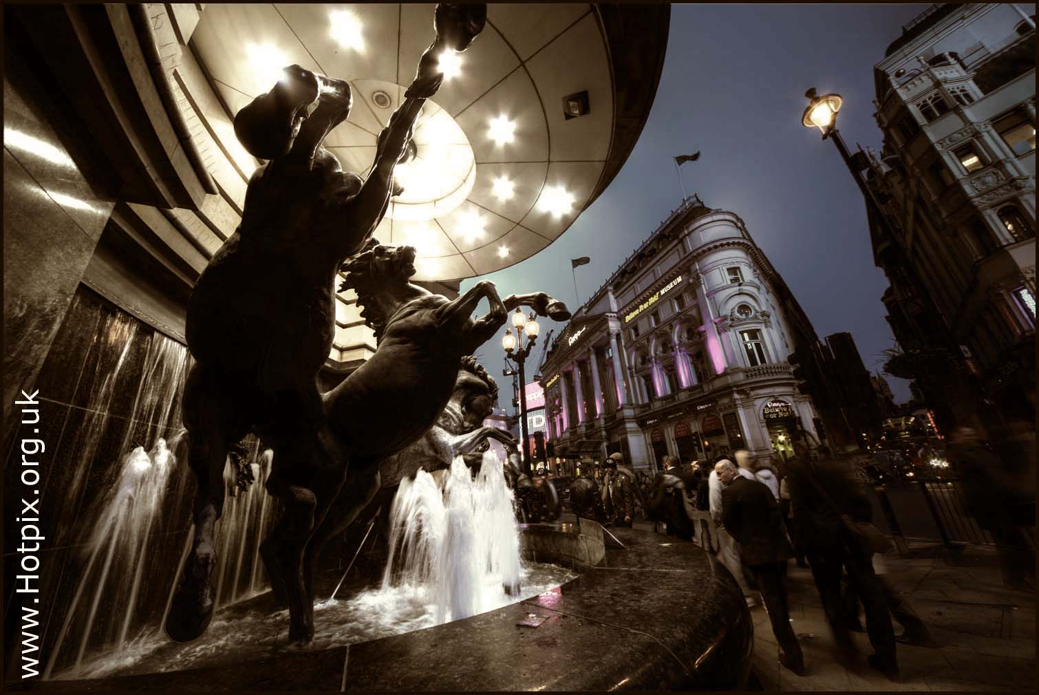 statue,art,work,artwork,artist,horses,picaddilly,picadily,london,night,dusk,shot,low,light,wate horses,water,uk,england,streets,people,interesting,tonysmith,hotpix,hotpixuk,tony,smith,coventry,road,haymarket,criterion,theatre,land,theatreland,sigma,12-24mm,sigma12-24mm,wide,angle,lens,hotpics,hotpic,hotpick,hotpicks,place,places,wide angle lens,building,buildings,built,architecture,narrative,arty,stream,lightstream,wideangle,10-20mm,#tonysmithhotpix