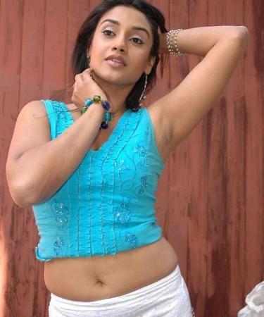Desi Mallu Aunty 2 375x450 A Photo On Flickriver