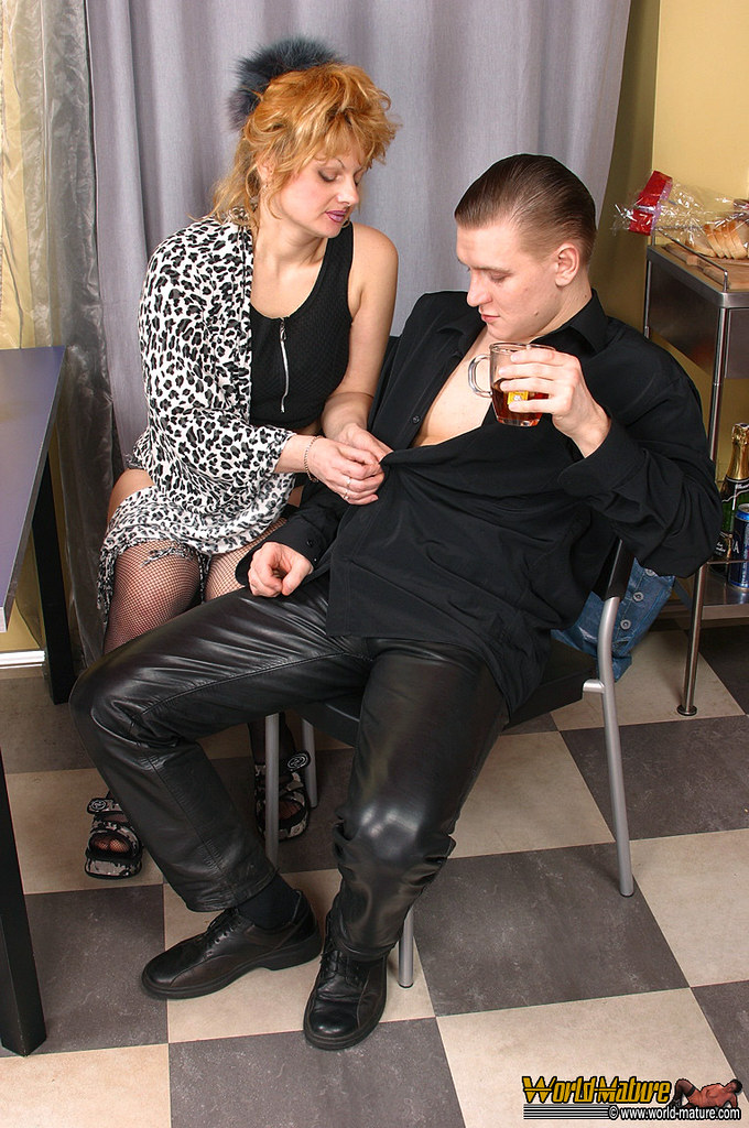 Milf and young guy fuck