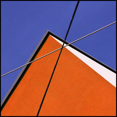 blue sky orange white black building lines switzerland geometry shapes negativespace cables wires walls zürich barbera jibbr 507111