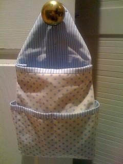 Hanging toiletry basket