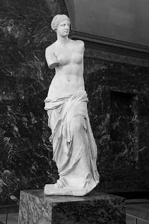 """卢浮宫的镇店三宝_卢浮宫镇宫三宝之一米洛斯的阿佛洛狄忒   """"阿佛洛狄忒""""是 ..."""