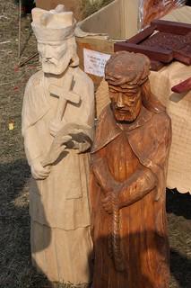 Rzeźby na kiermaszu sztuki w Łysych | by Polek