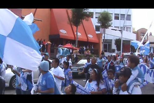 """M2U00414 Gran desfile en apoyo al Puebla FC """"Legión Dragón"""" por LAE Manuel Vela"""