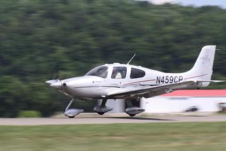 2008 Cirrus SR22 N459CP - Nose Wheel Down