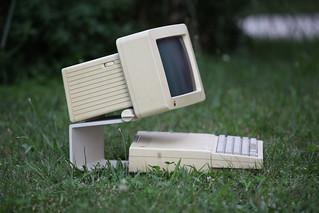 Apple IIc :: Retrocomputing on the green | by br1dotcom