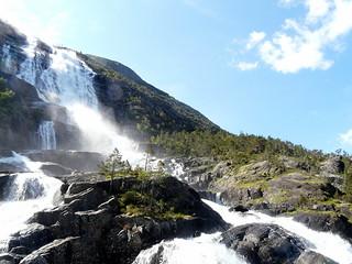 Langfossen waterfall | by Bobbie
