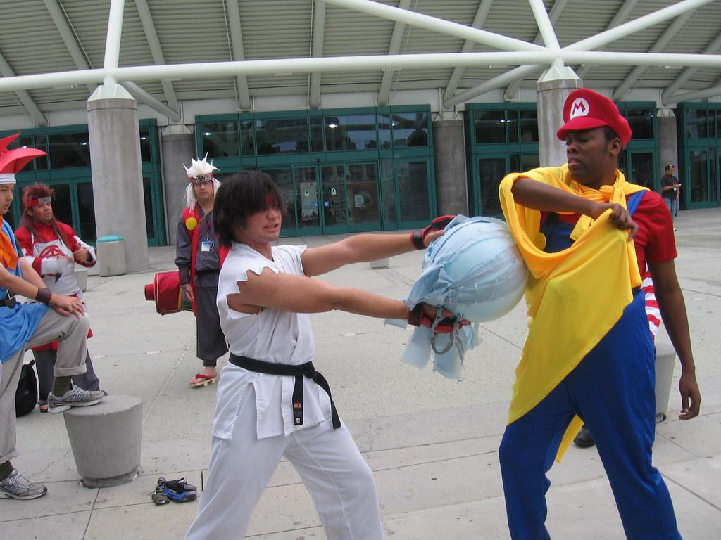 Black Nerd Mario Blocks Ryu's Hadouken   Anime Expo & Ninten