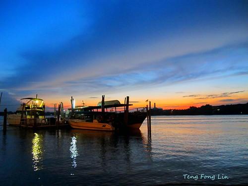 sunset boats scenery muar bandarmaharani mygearandme tfltfl