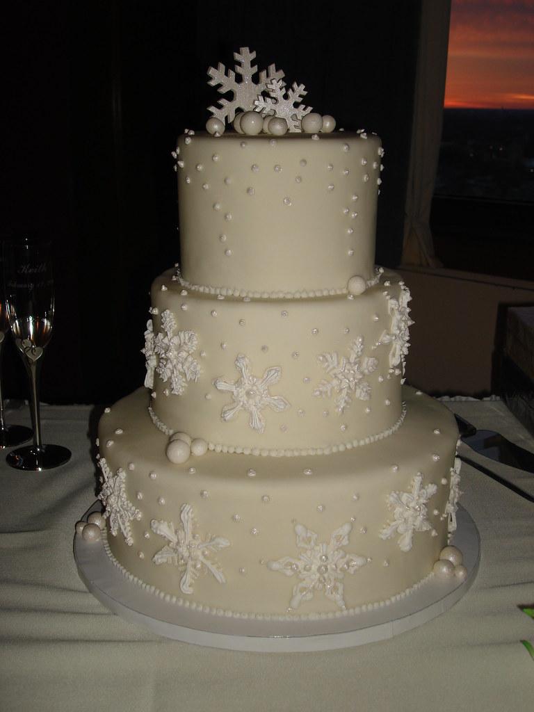 WINTER SNOWFLAKE WEDDING CAKE MARK MURNAHAN FLICKR