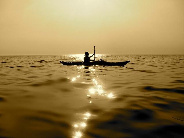 Kayak sur le fleuve