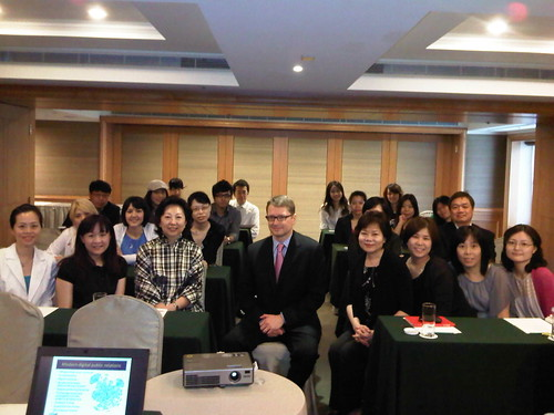 Team training session in Taiwan on the science of PR | by bobpickard
