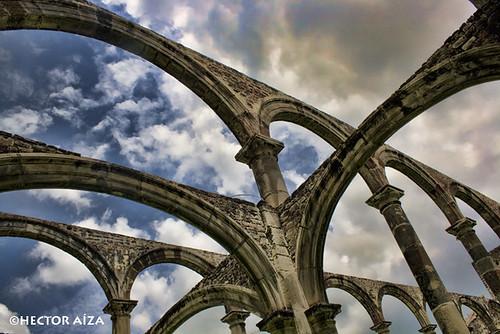 Arcos del exconvento de Tecali de Herrera construído en el siglo XVI