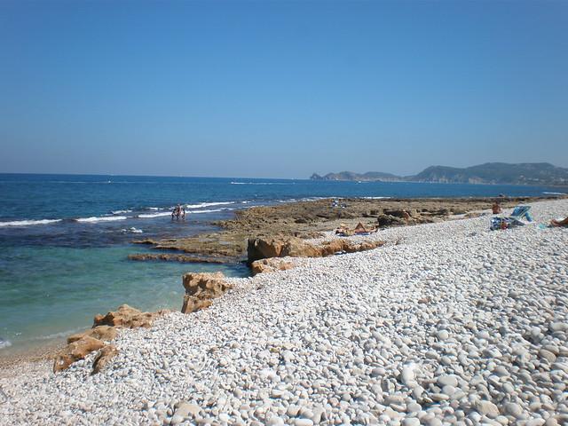 Playa de piedras / Playa de rocas en el Montañar de Jávea