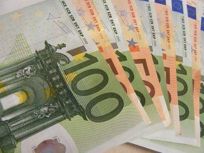 Money 100 EURO   by Public Domain Photos