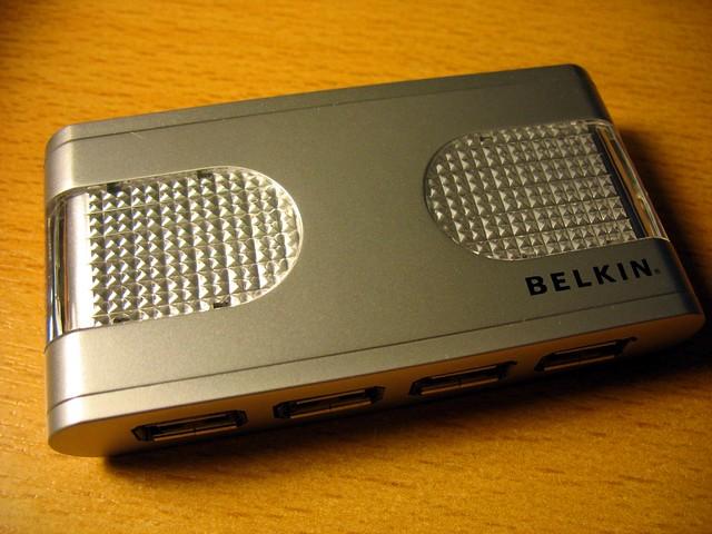 Belkin F5U700 USB hub front