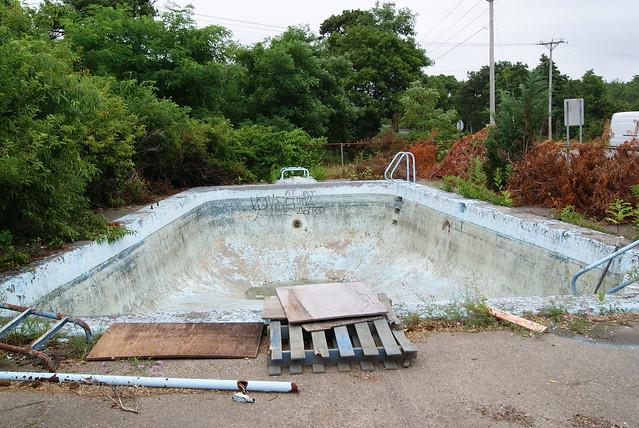 Picture Lake Motel Pool #2