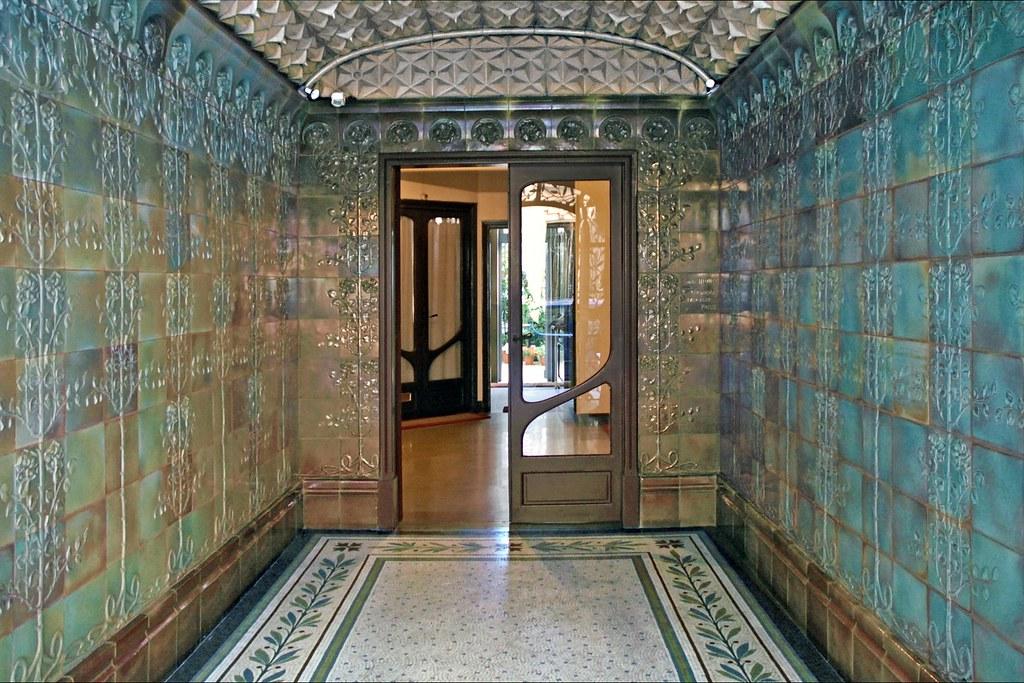 Hall d\'entrée d\'un immeuble art nouveau (Paris) | Hall d\'ent ...
