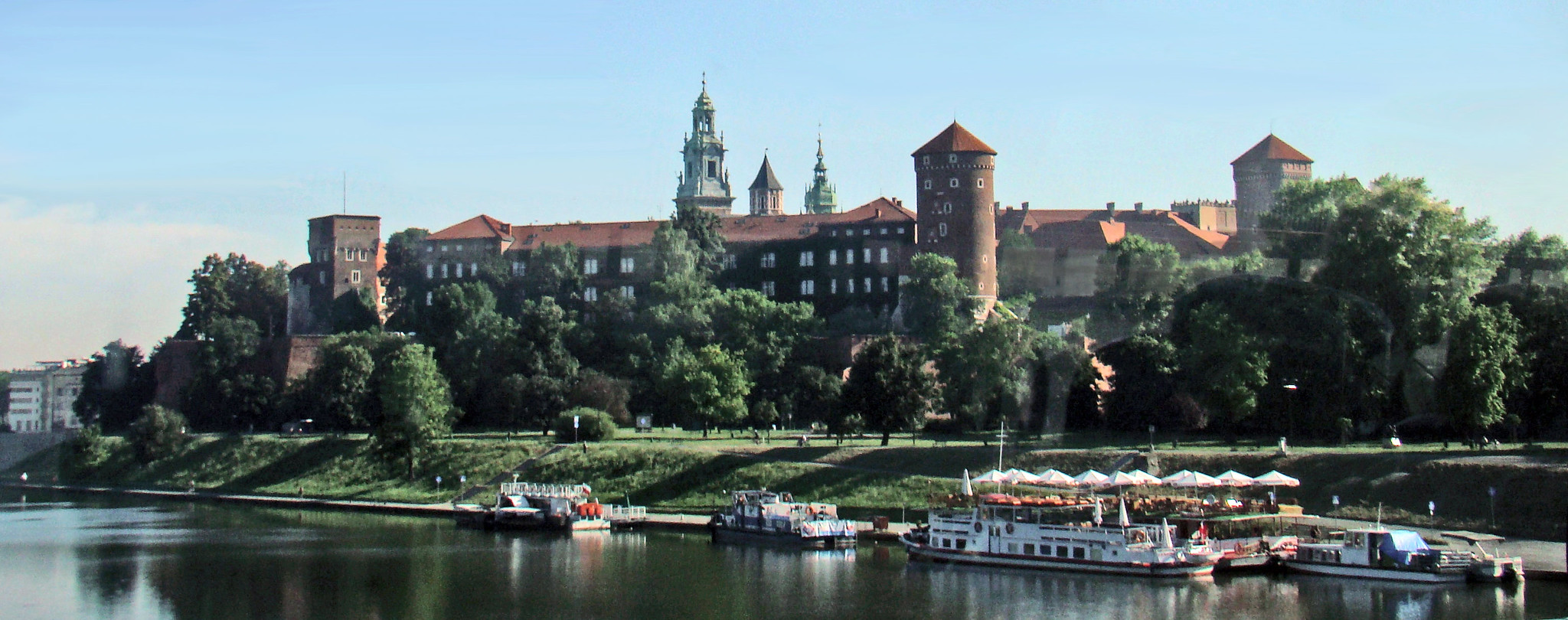 vista exterior Castillo Real de Wawel Cracovia Polonia