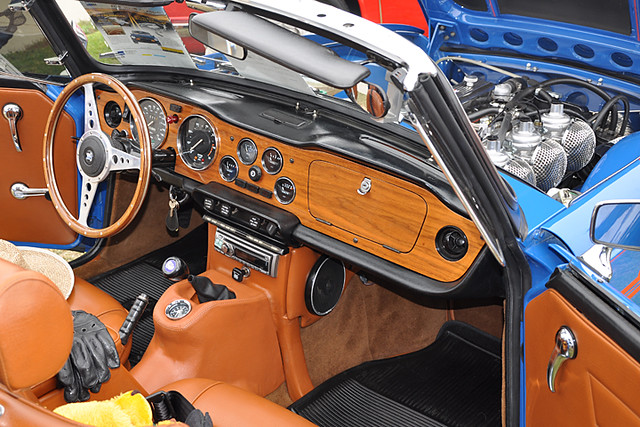 TR6 interior